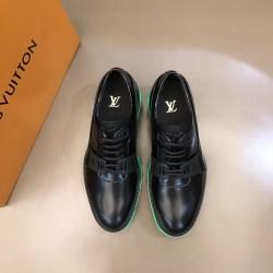 Louis Vuitton Sneakers LU0119